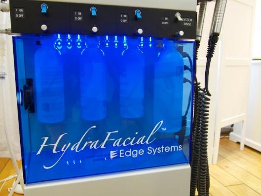 Hydrafacialbehandlingen går i tre steg.