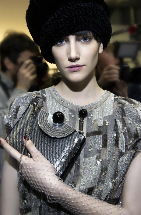 """""""Garçonne look"""". Armanis höstvisning är gjord av makeupartisten Linda Cantello"""